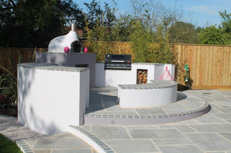 Bedfordshire Alfresco Garden — Feel Good Gardens