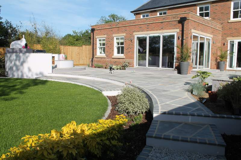 Bedfordshire alfresco garden feel good gardens for Garden design hertfordshire