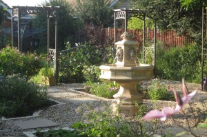 Hemel-Hempstead-Formal-garden-design-in summer